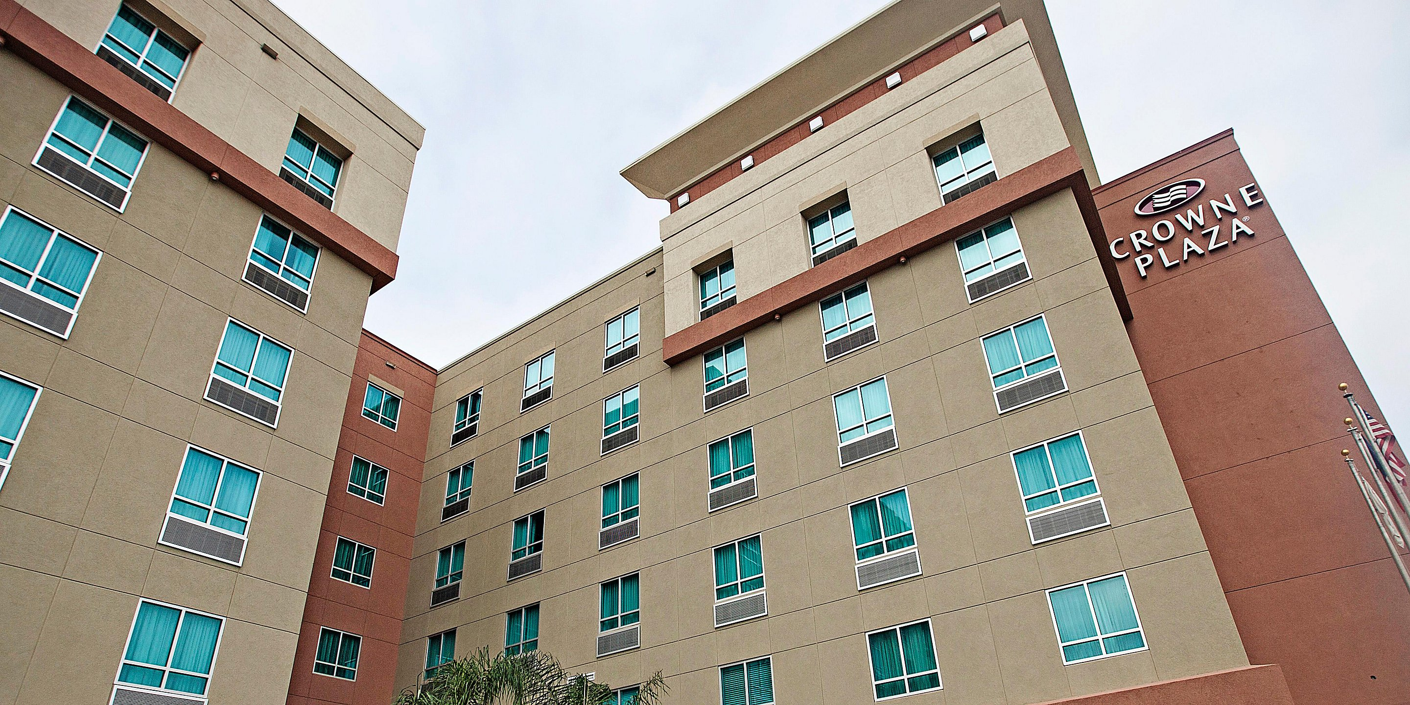crowne-plaza-houston-3303804436-2x1